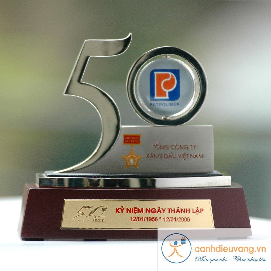 Số kỷ niệm 50 năm