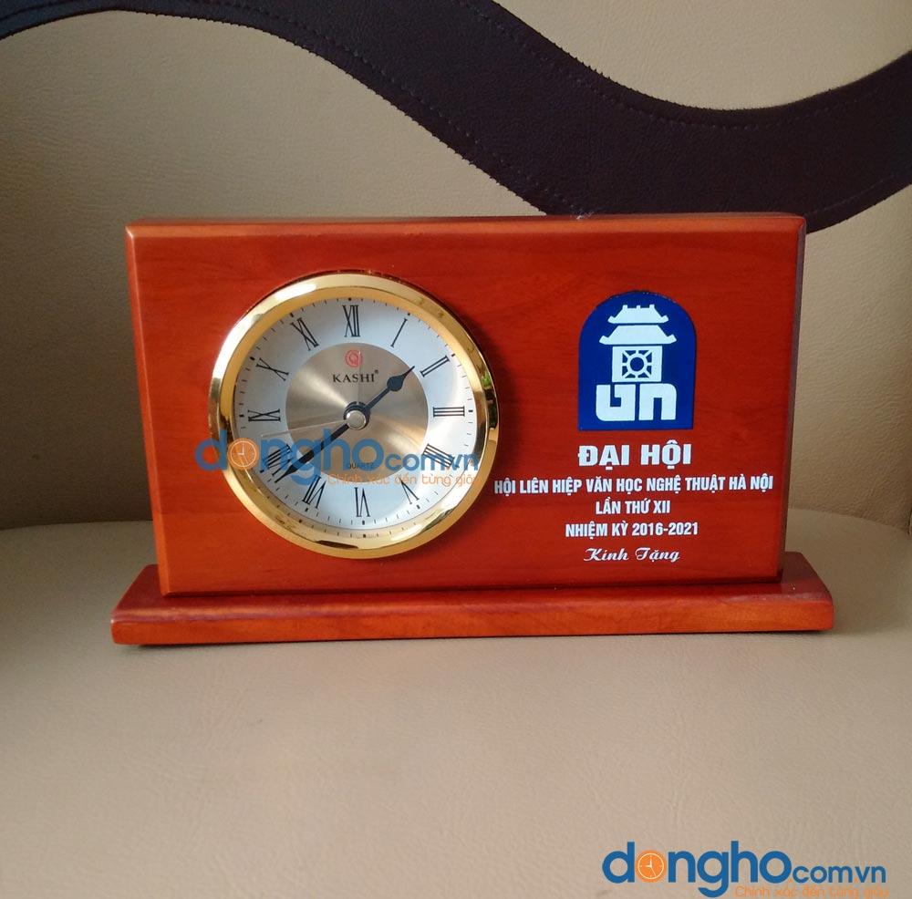 Đồng hồ để bàn BT2