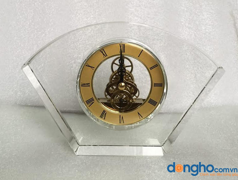 Đồng hồ pha lê để bàn 01