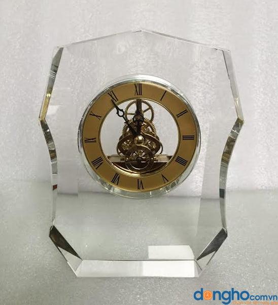Đồng hồ pha lê để bàn 06