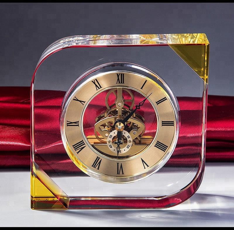 Đồng hồ pha lê để bàn 11