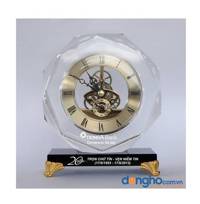 Đồng hồ pha lê để bàn 17