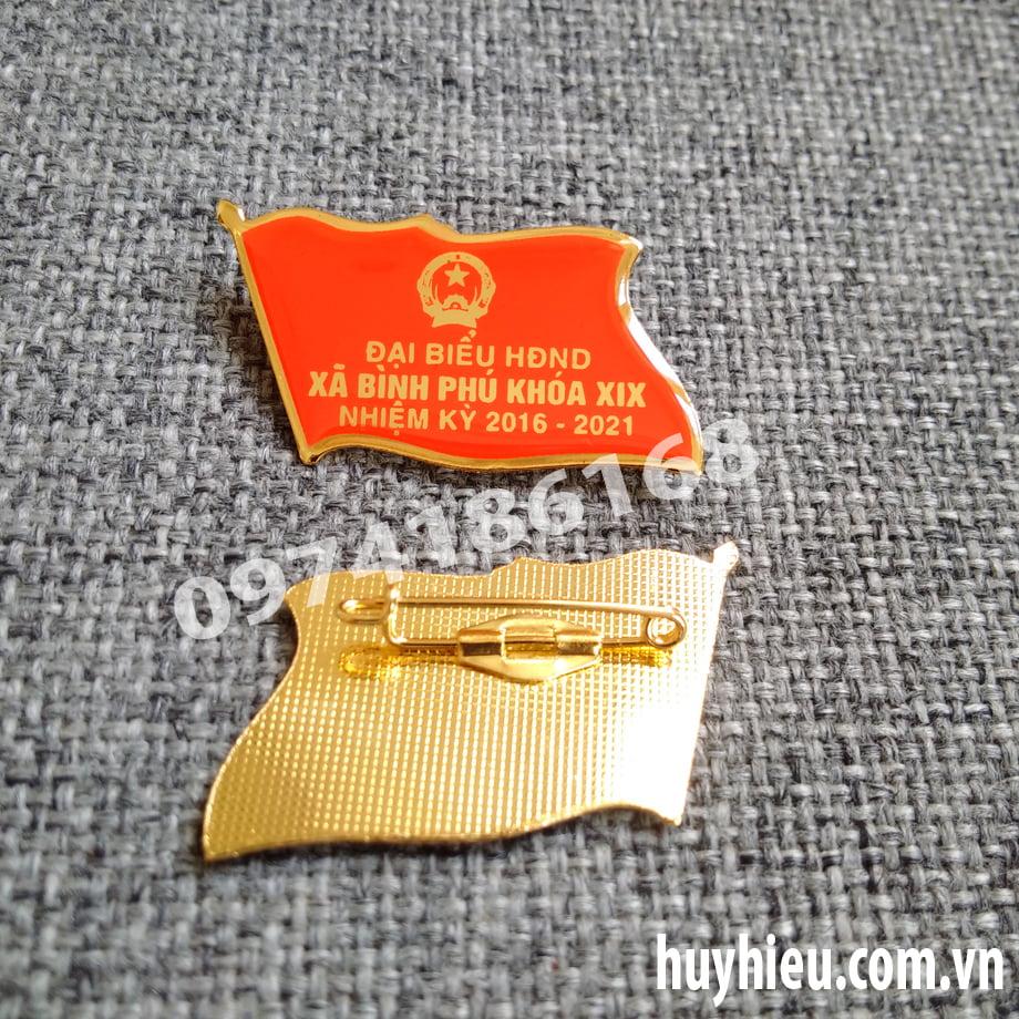 Huy hiệu đồng cài áo 53