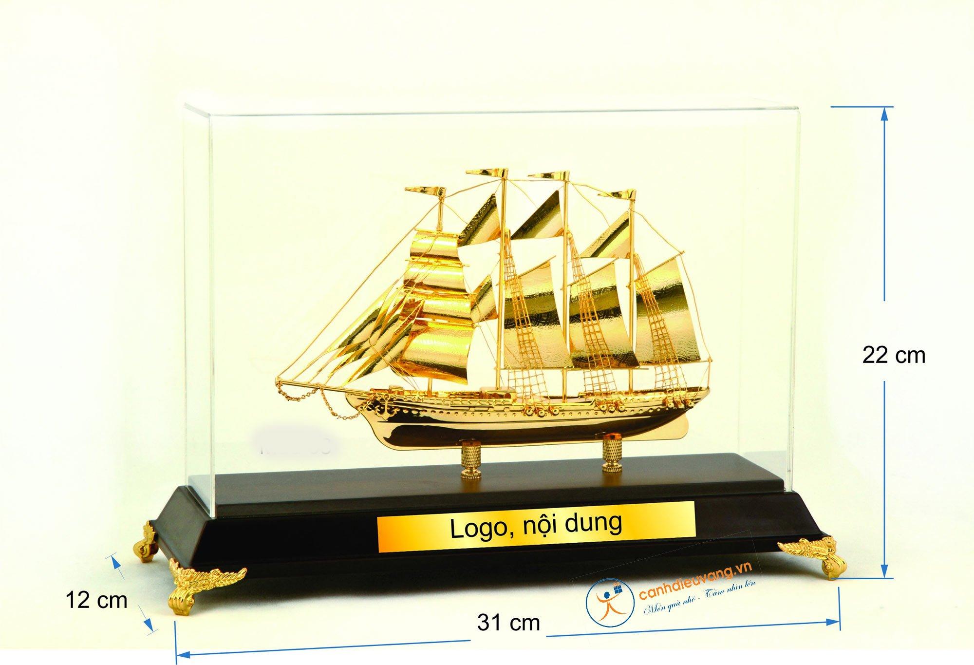 Thuyền buồm mạ vàng  03
