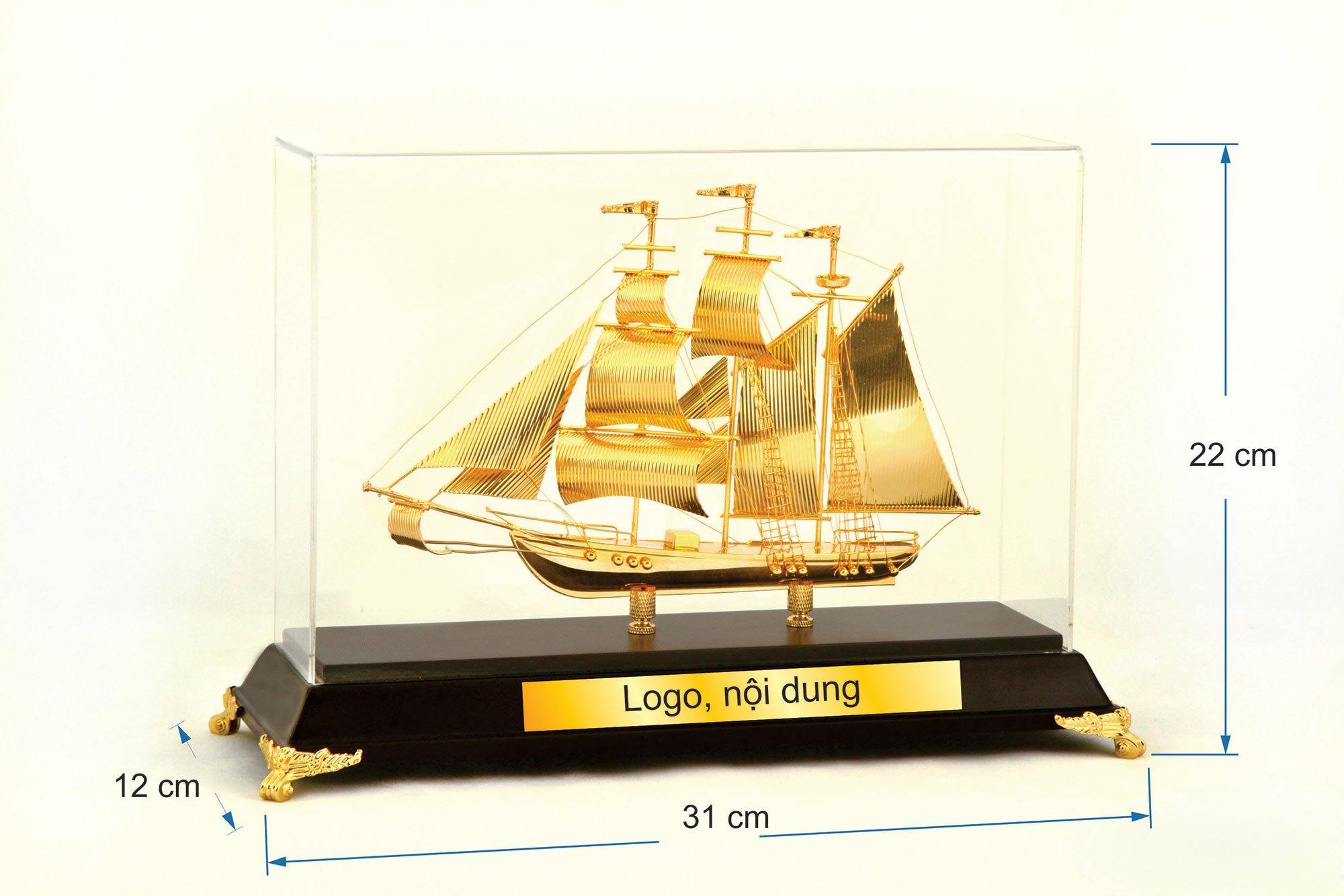 Thuyền buồm mạ vàng 07