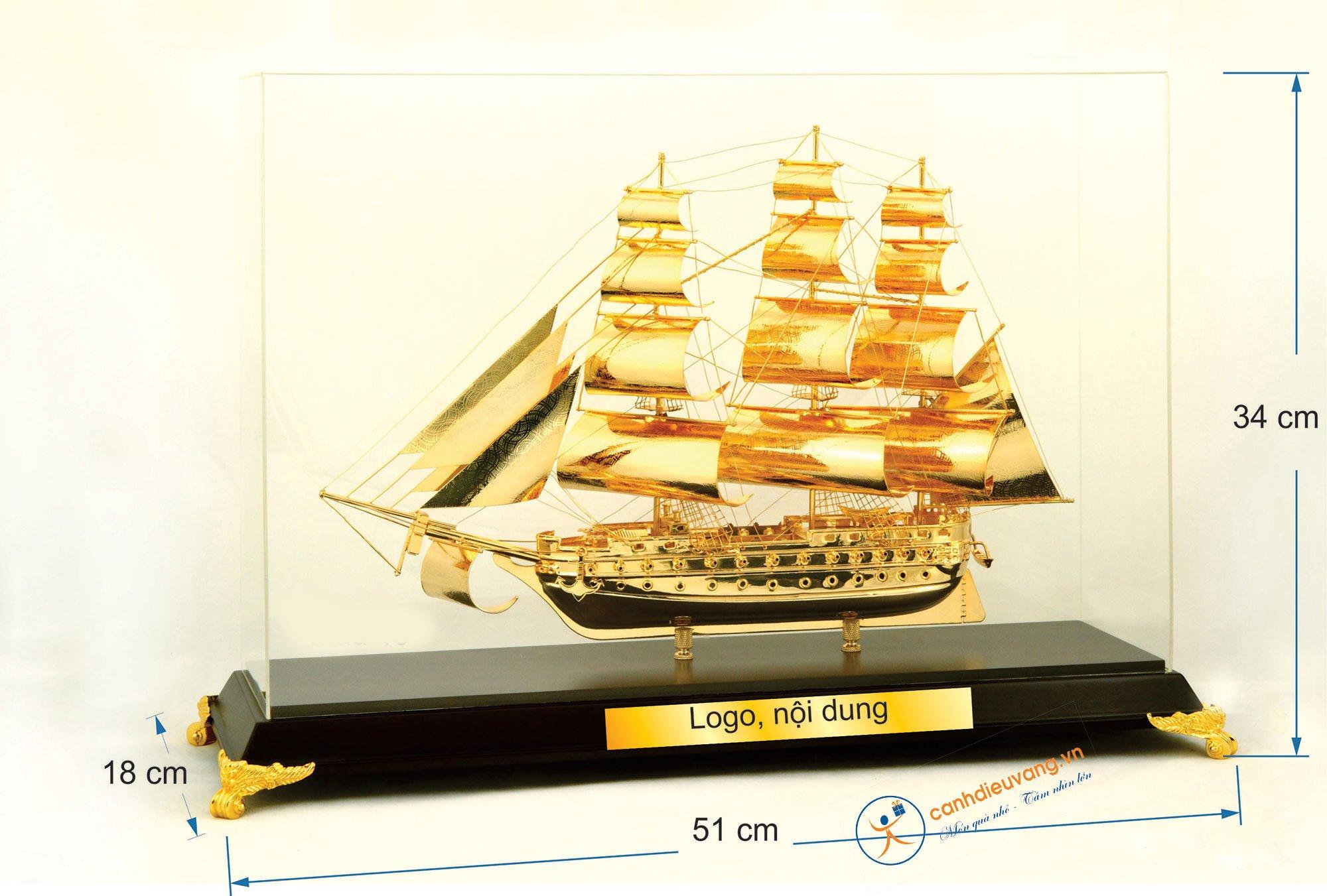 Thuyền buồm mạ vàng cỡ đại 46