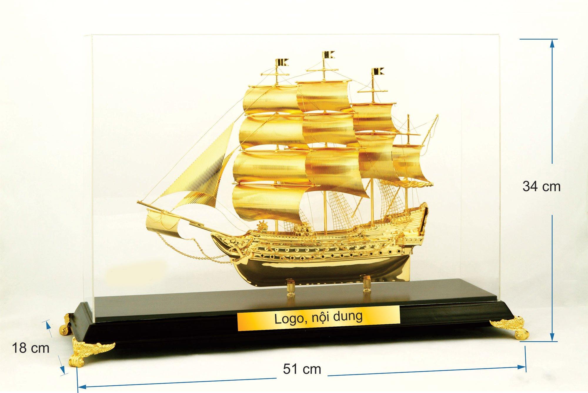 Thuyền buồm mạ vàng cỡ đại 49