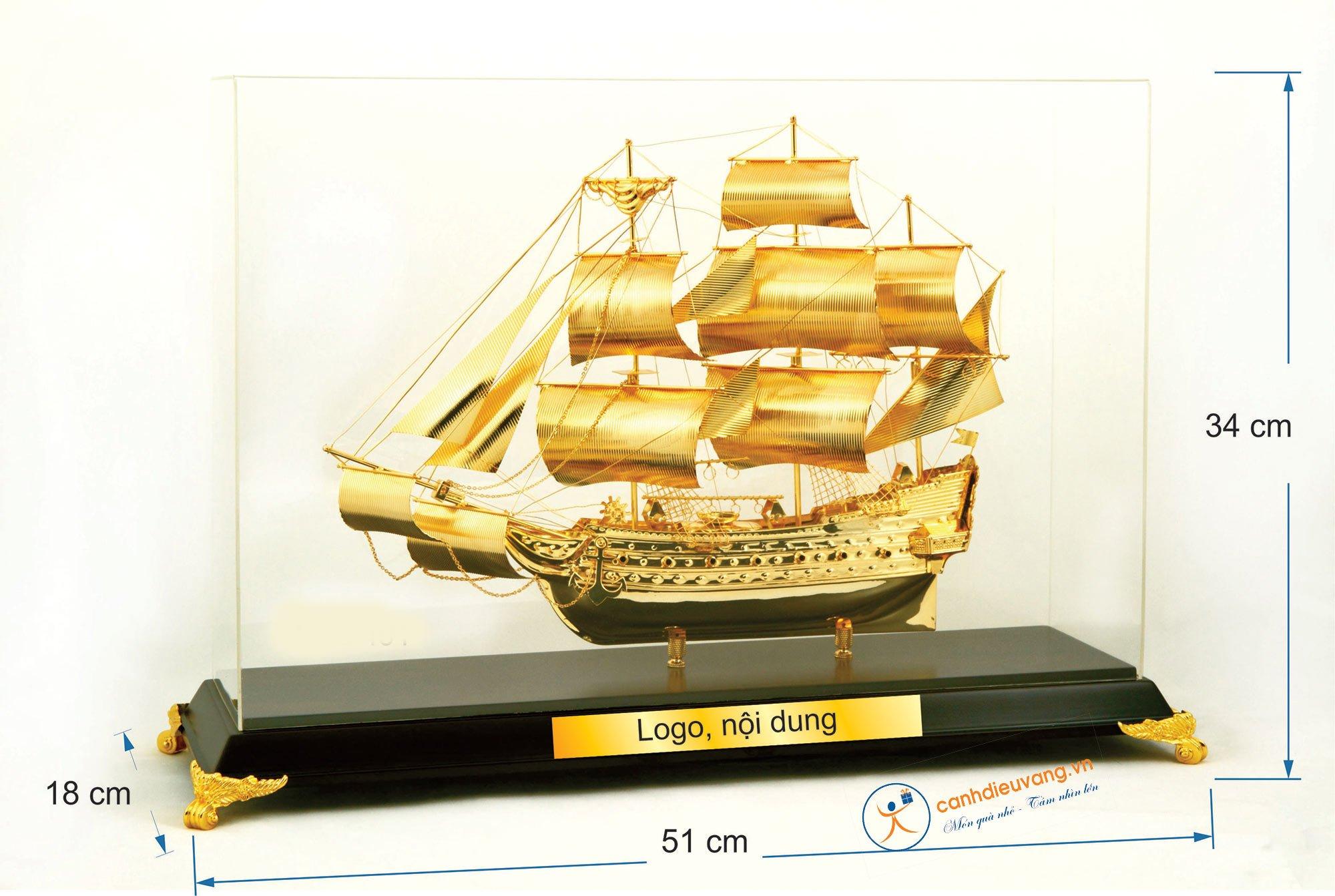 Thuyền buồm mạ vàng cỡ đại 491