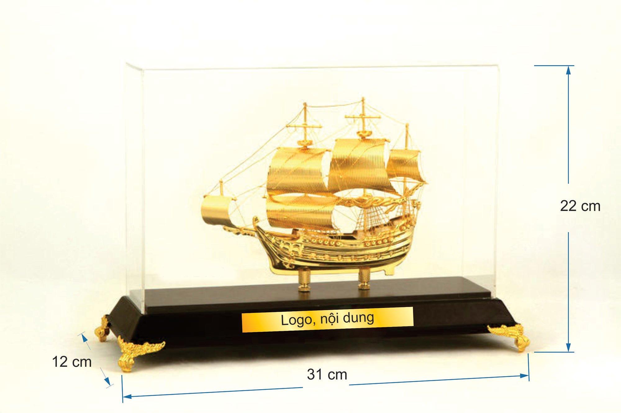 Thuyền buồm mạ vàng  B09