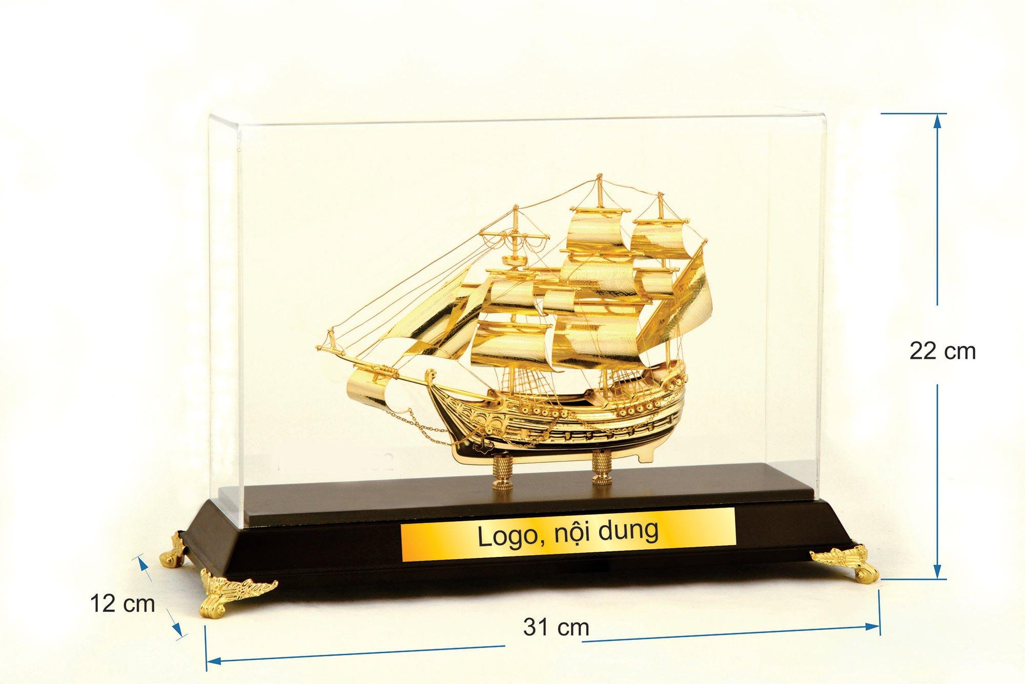 Thuyền buồm mạ vàng B092