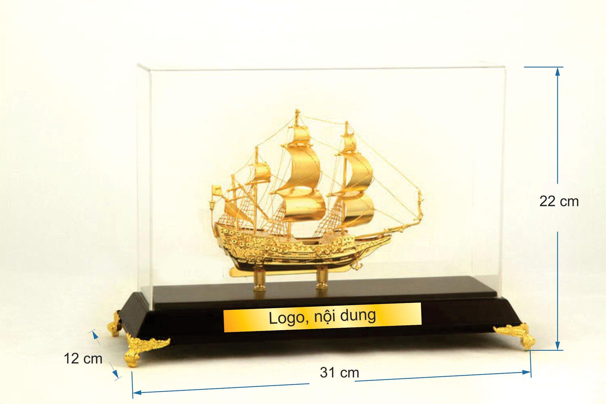 Thuyền buồm mạ vàng B11