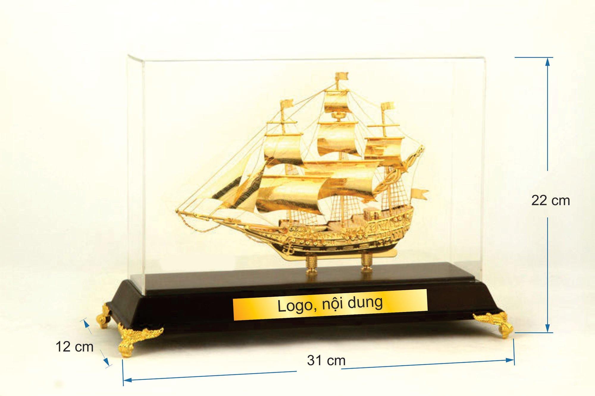 Thuyền buồm mạ vàng  B112