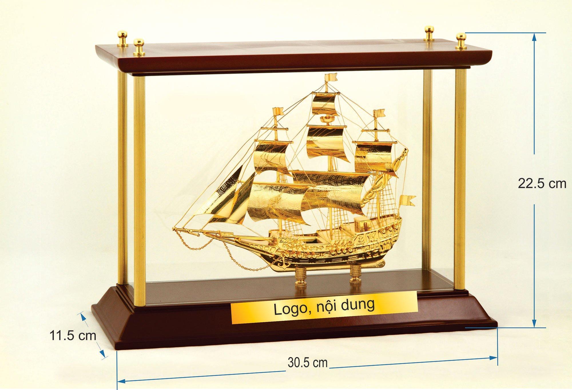 Thuyền buồm mạ vàng W04