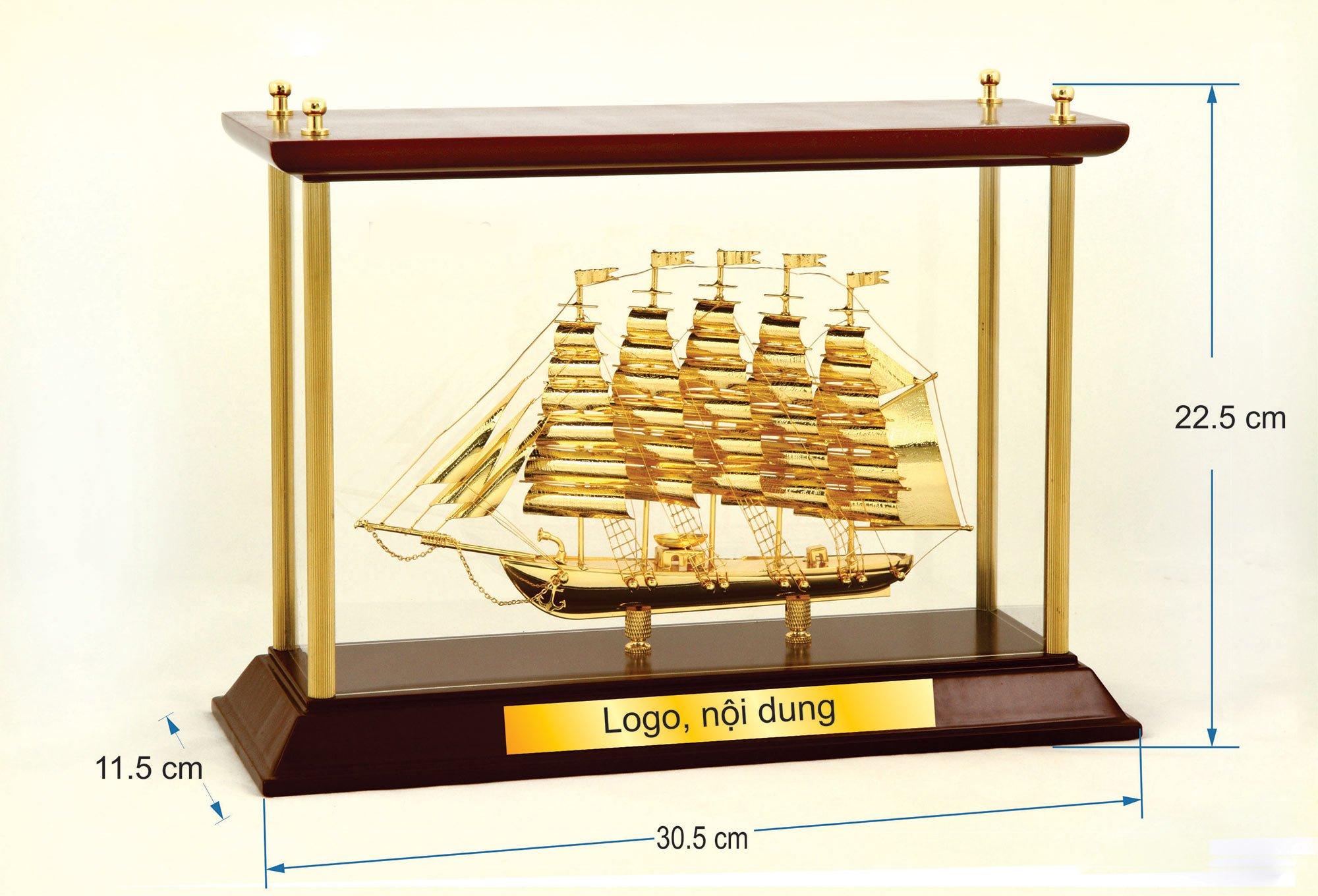 Thuyền buồm mạ vàng W06
