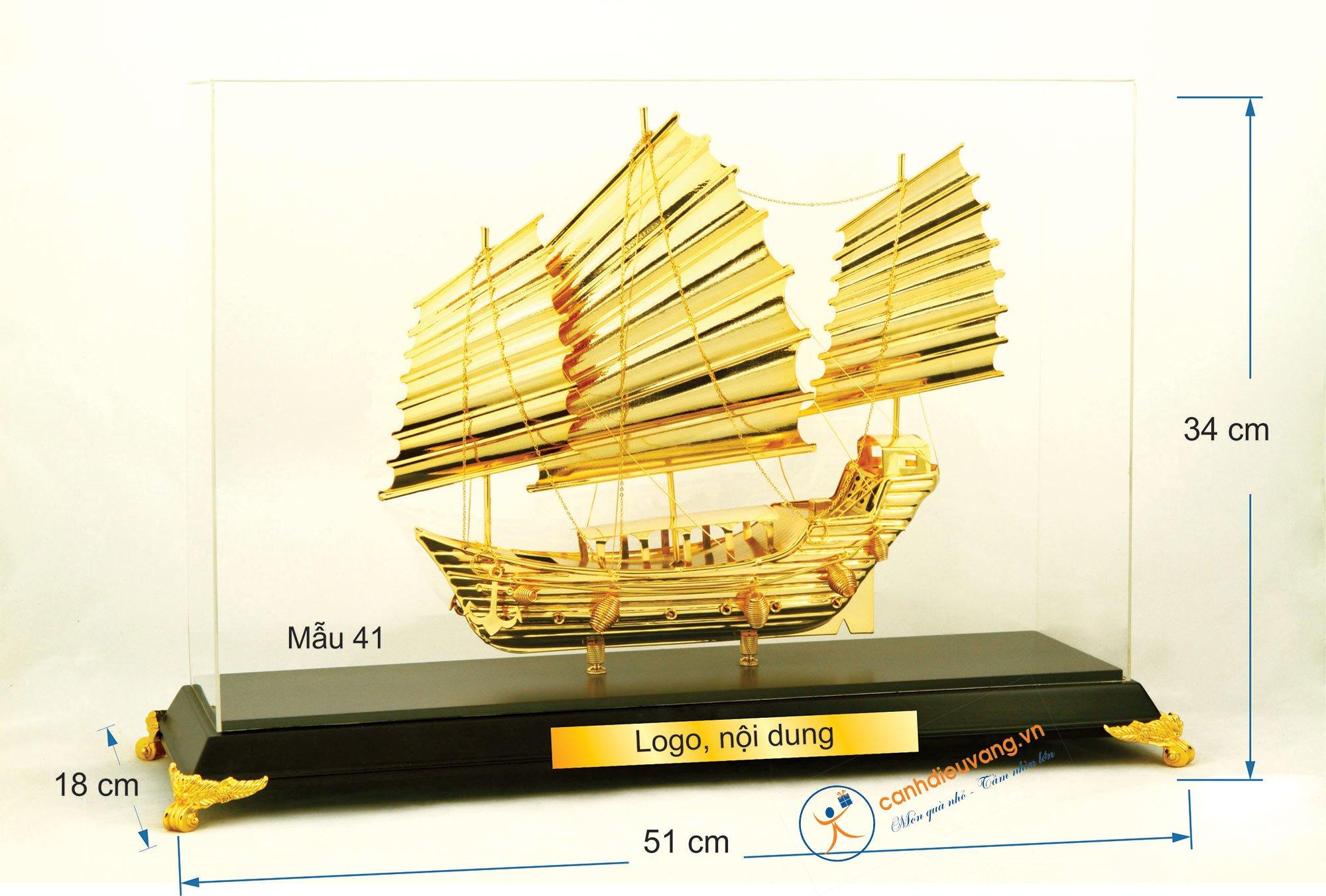 Thuyền buồm mạ vàng cỡ đại 41