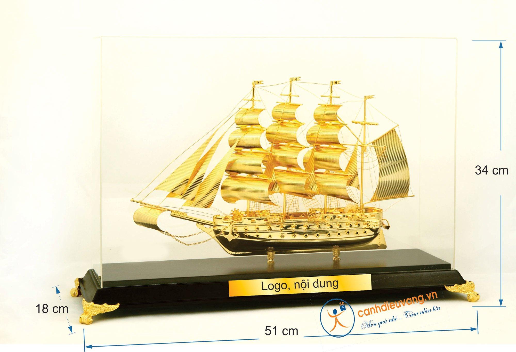 Thuyền buồm mạ vàng cỡ đại 43
