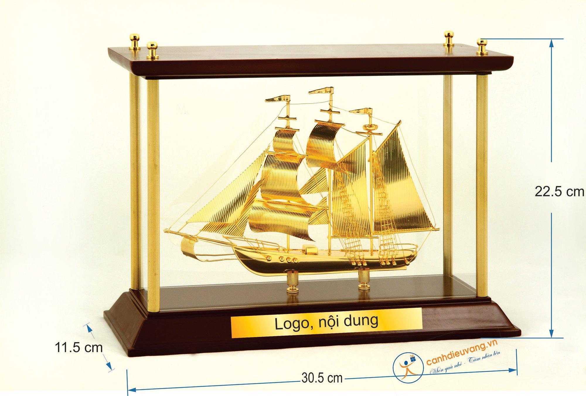 Thuyền buồm mạ vàng  W07