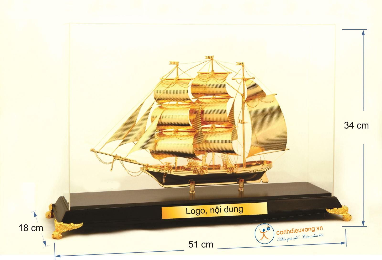 Thuyền buồm mạ vàng cỡ đại 40