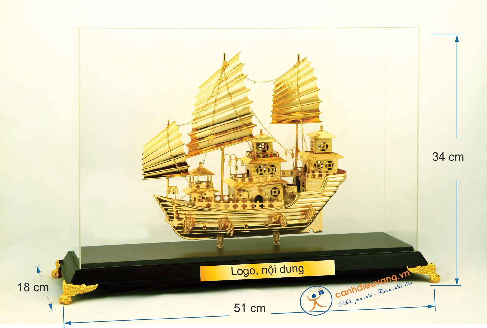 Thuyền buồm mạ vàng cỡ đại 411